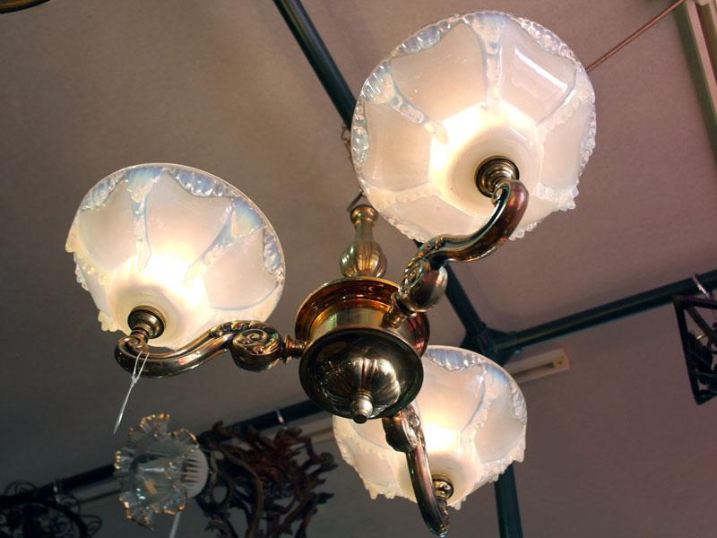 画像2: シャンデリア 3灯 シェード付き セット