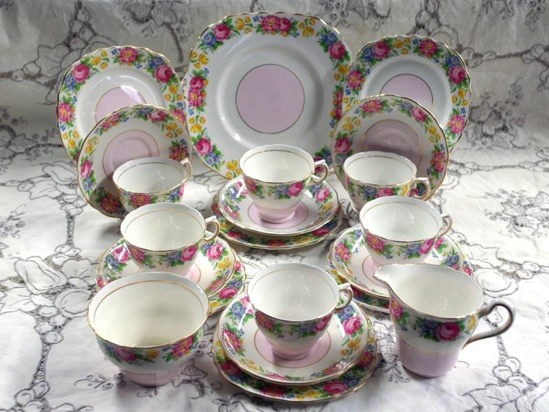 画像2: コルクラフColclough トリオ6客+シュガーボール+ミルクジャー+ケーキ皿
