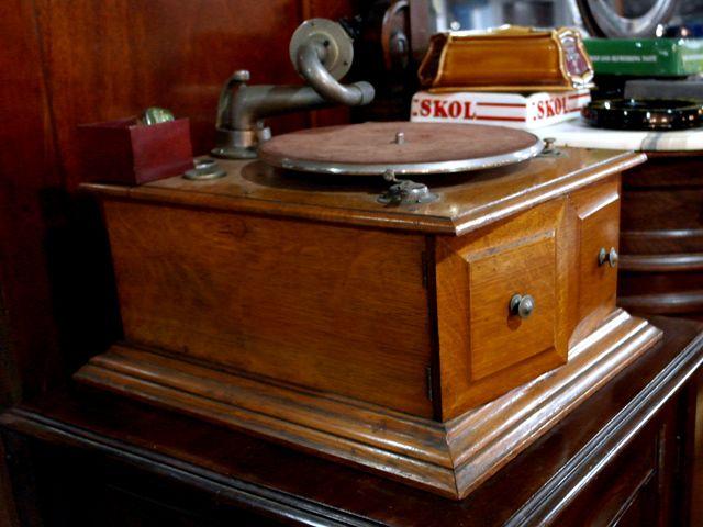 画像2: 蓄音機