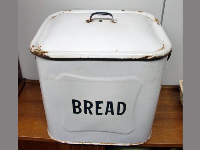 画像1: ホウロウ パン入れ