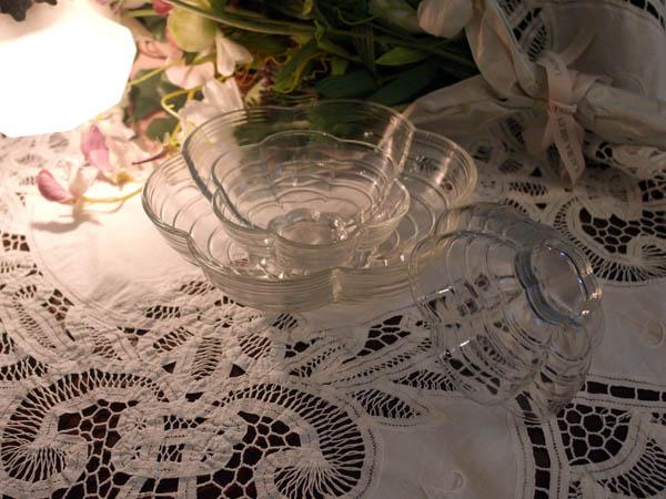 画像4: クリアガラス 花形ボウル セット (大x1、小x2)