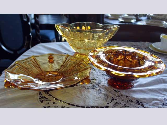 画像1: ガラス バーズ(花器) アンバーガラス