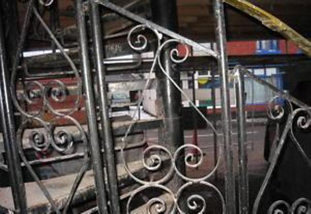 画像4: 螺旋階段